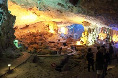 Пещера Удивление или Сюрприз (Sung Sot). Ха Лонг - Вьетнам