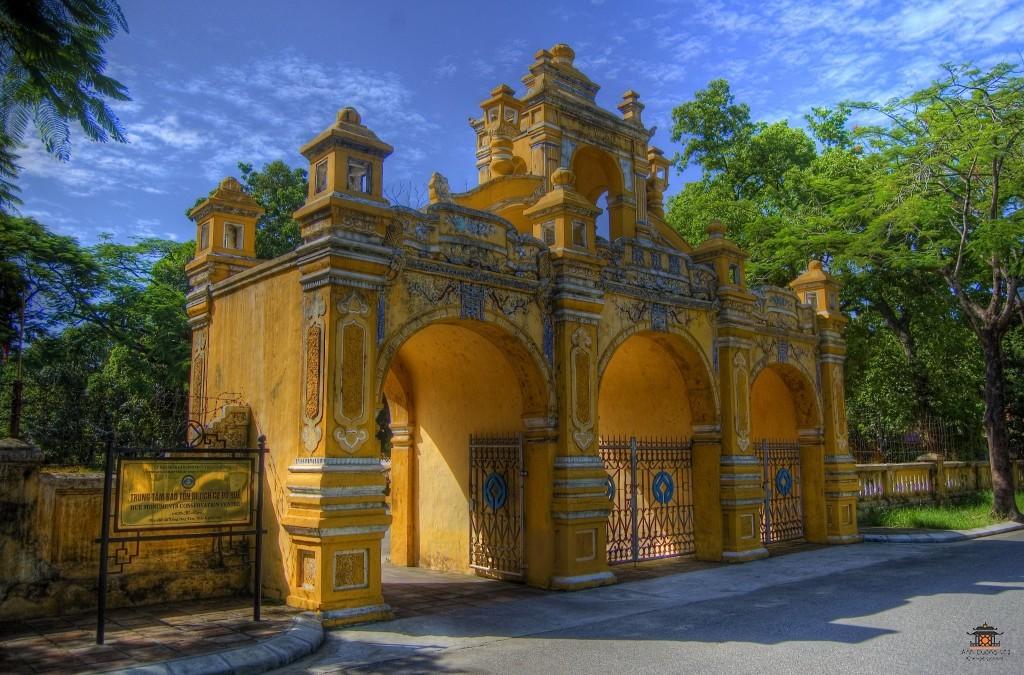 a-grand-archway-hue-vietnam